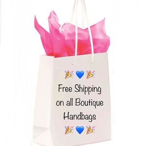 🎉💙🎉Free Shipping on all Boutique Handbags🎉💙🎉